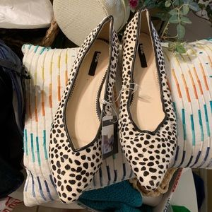 BDG Leather Pointed Print Flats